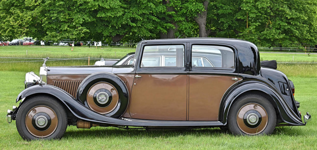 1934 20/25 by HJ Mulliner offers style as well as roomy formal coachwork (photo: Richard Fenner)