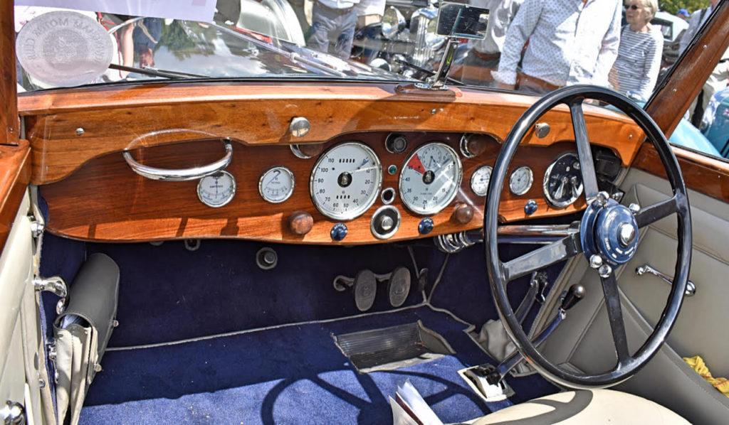 Elegant simplicity on this pre-war Derby Bentley's dashboard (photo: Richard Fenner)